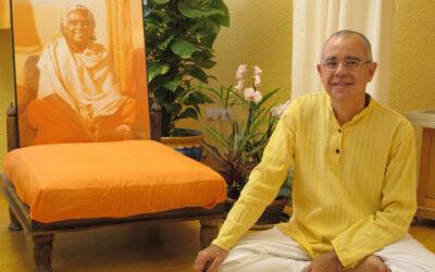 EL MUNDO – Poeta, yogui y gerente del CGPJ